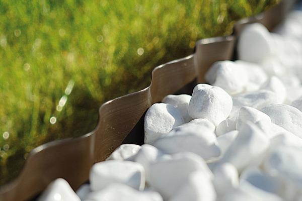 Obrzeże ogrodowe perforowane 15 cm x 9 m - brązowe